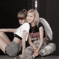 Kpop Girl Groups, Korean Girl Groups, Kpop Girls, Yg Entertainment, Kim Jisoo, Blackpink Photos, Park Chaeyoung, Jennie Blackpink, Forever