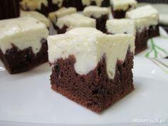 Raw & Vegan `Kinderegg´ Brownie Bites :: photobymanda Brownie Bites, Polish Recipes, Food Cakes, Homemade Cakes, Pavlova, Cake Cookies, Yummy Cakes, Cake Recipes, The Best