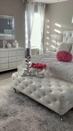 White Bedroom Decor, Room Ideas Bedroom, Master Bedroom Design, Glam Bedroom, Classy Bedroom Ideas, Bed Room, Beauty Room Decor, Decor Home Living Room, Cute Room Decor