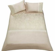 Inspire Jacquard Champagne Bedding Set - Double Bring some stylish glamour to your bedroom with this Inspire Jacquard Champagne Duvet Cover Set. There are matching curtains available to complete your new look. This duvet cover set includes a duvet  http://www.comparestoreprices.co.uk//inspire-jacquard-champagne-bedding-set--double.asp