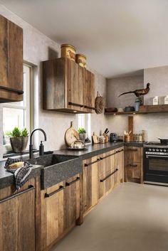 Home Interior Decoration .Home Interior Decoration Kitchen Room Design, Home Decor Kitchen, Rustic Kitchen, Interior Design Kitchen, Country Kitchen, Interior Paint, Cabin Kitchens, Cuisines Design, Cheap Home Decor
