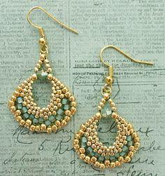 Linda's Crafty Inspirations: Peyote Fan Earrings - Sea Foam & Gold