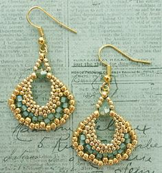 Linda's Crafty Inspirations: Peyote Fan Earrings - Sea Foam & Gold
