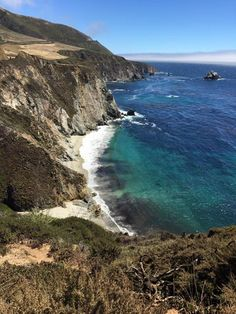 Best California beach Christmas activities. It may not snow on the California coast, but that doesn't mean the holiday season is any less festive. From the northern shores to the beach towns by the M
