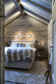 AV13 Chalet Design, House Design, Chalet Style, Attic Master Suite, Barn Bedrooms, Pole Barn House Plans, Cabin Interiors, Winter House, Cabin Homes
