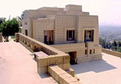 Ennis House (1924) built by Frank Lloyd Wright and featured in Bladerunner.