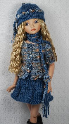 blue3   Flickr - Photo Sharing! Knitting Dolls Clothes, Knitted Dolls, Doll Clothes Patterns, Crochet Clothes, Barbie Dress, Barbie Clothes, Crochet Barbie Patterns, Girls Knitted Dress, Barbie Wardrobe