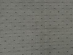 TULE MICRO POÁ (Preto). Tecido extremamente fluido, possui em suas tramas pequenas bolinhas (Micro póas), é extremamente leve e composto por poliamida, que confere um toque agradável. Invista em modelagens soltinhas e com movimento. Sugestão para confeccionar: Vestidos, saias em camadas, batas, detalhamentos de peças, entre outros.