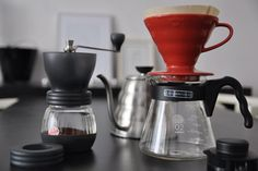 Learn how to make pour over coffee, how to tweak your drip coffee to perfection, and why manual drip brewing is great. Best Coffee Grinder, Best Coffee Maker, Drip Coffee Maker, Coffee Dripper, V60 Coffee, Coffee Cups, Vodka Drinks, Fun Drinks, Coffee Brewing Methods