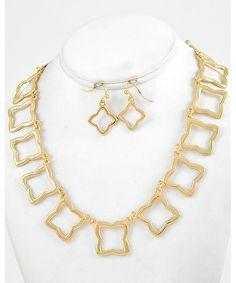 444875 Gold Tone Metal / Lead Compliant / Necklace & Fish Hook Earring Set