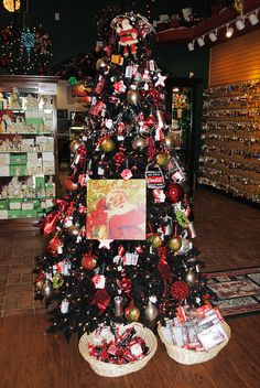 Coca-Cola Christmas Tree | Recent Photos The Commons Galleries World Map App Garden Camera Finder ...
