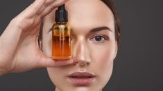 Why you should add orange facial oil to your skincare routine The Body Shop, Anti Ride Naturel, Diy Beauté, Homemade Beauty Tips, Wrinkled Skin, Uneven Skin, Anti Aging Serum, Facial Oil, Essential Oils