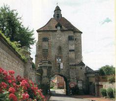 Dunkerque - Beffroi de l'Hotel de ville  Picardie région,  France         .............medieval.mrugall.net
