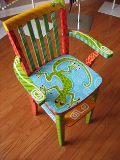 292 by lisA fRosT studio, via Flickr- Adorable Painted Chair