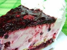 Mascarponés joghurttorta, vegye bogyós gyümölcsökkel Muffin, Beef, Food, Muffins, Meal, Essen, Hoods, Ox, Cupcakes