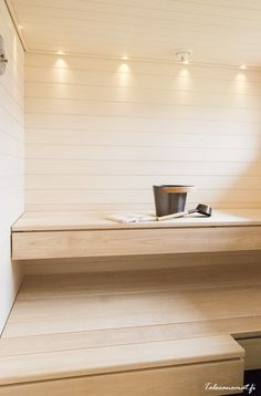 Sauna in your own house Sauna Design, Home Gym Design, Design Design, Sauna Steam Room, Sauna Room, Bathroom Styling, Bathroom Interior Design, Scandinavian Cabin, Sauna House