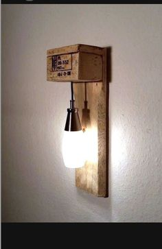 Möbel aus Paletten Möbel aus Paletten The post Möbel aus Paletten appeared first on Lampen ideen. Diy Luminaire, Diy Lampe, Pallet Furniture, Furniture Making, Furniture Ideas, Driftwood Furniture, Wooden Pallets, Pallet Wood, Diy Pallet