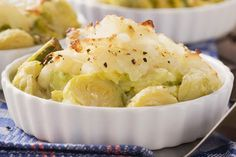Looking for new Vegetarian recipes? Try this amazing gratin made with Brussels sprouts, savoy cabbage and potatoes, it's an easy recipe to make at home. Easy Recipe To Make At Home, Food To Make, New Vegetarian Recipe, Cabbage And Potatoes, Savoy Cabbage, Parmesan Potatoes, Gratin Dish, Brussels Sprouts, Gourmet Recipes