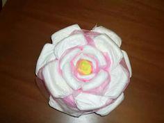 Torta di pannolini rosa diaper cakes