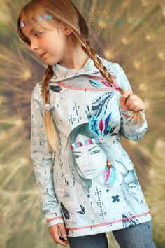 Marita Schnittmuster - MARITA ist ein herrlich wandelbarer Schnitt für ein süßes Shirt oder Kleid mit einem raffinierten Wickelkragen bzw. einer Kapuze mit Wickeloptik. Der Körper ist eher schmal geschnitten, leicht tailliert und sieht sowohl als Pulli, als...