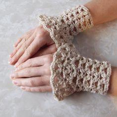 Free Crochet Elegant Cluster Wrist Warmers Pattern.