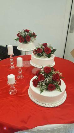 Big Wedding Cakes, Wedding Cake Roses, Amazing Wedding Cakes, Wedding Cake Stands, Red Rose Wedding, Cream Wedding, Special Birthday Cakes, Quinceanera Cakes, Sweet 16 Cakes