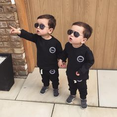 Ideas Baby Twins Identical For 2019 Cute Baby Twins, Twin Baby Girls, Cute Little Baby, Twin Babies, Little Babies, Baby Kids, Twin Toddlers, Twin Baby Photos, Baby Pictures