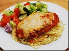 Chicken Parmigiana - Slimming World Recipe Slimming World Dinners, Slimming Eats, Slimming World Recipes, Healthy Eating Recipes, Diet Recipes, Chicken Recipes, Cooking Recipes, Healthy Food, Chicken Parmigiana