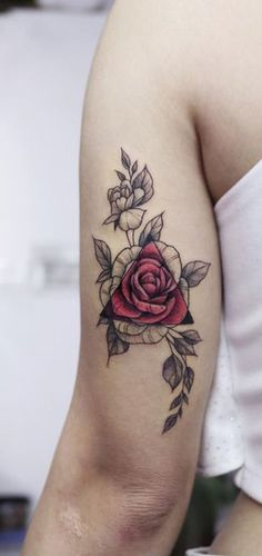 Realistic Black Floral Flower Watercolor Rose Back of Arm Tattoo Ideas for Women Dreieckiges Tattoos, Paar Tattoos, Neue Tattoos, Forearm Tattoos, Body Art Tattoos, Sleeve Tattoos, Cool Tattoos, Female Forearm Tattoo, Tatoos