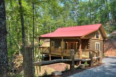 in Bryson City, United States. Luxury, and Location! This log home built in 2016 in Bryson City is the perfect setting for your outdoor adventure. Whether seeking the thrill of whitewater rafting, or a day of laid back fishing or tubing, this log home is central to 3 bodies of ...
