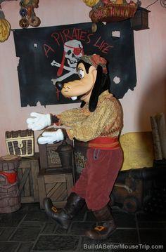 Pirate Goofy - Outside the Pirate's League (Adventureland / Magic Kingdom / Disney World)