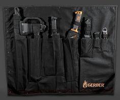 Kit de hacha, espadas y cuchillos para un apocalipsis zombie