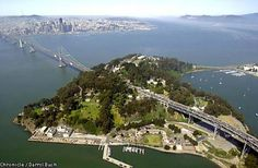 Treasure Island, San Francisco | Treasure Island with San Francisco in the background. Chronicle photo ...