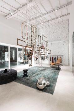 "White brick wall in loft space at boutique ""elle camucia"" pr Shop Interior Design, Retail Design, Store Design, Boutique Interior, Interior Natural, Fashion Showroom, Retail Merchandising, Retail Displays, Shop Displays"