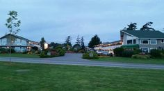 Early morning view of the grounds, after watching the Sidney sunrise, The Cedarwood Inn and Suit
