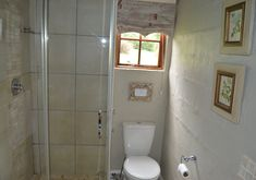 Bathroom in The Falls cottage
