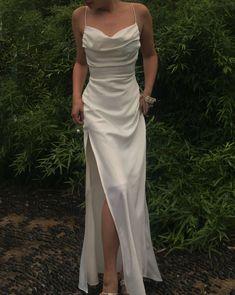 Split Prom Dresses, Pretty Prom Dresses, Grad Dresses, Elegant Dresses, Beautiful Dresses, Formal Dresses, Prom Dresses Silk, Mermaid Style Prom Dresses, Simple Prom Dress