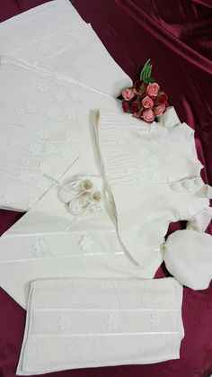 Trusou botez Baptism Clothes, Baptism Outfit, Gift Wrapping, Gifts, Wedding, Dresses, Bebe, Paper Wrapping, Presents