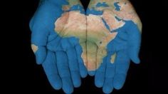DesignArt 'African Map in Our Hands' Graphic Art on Wrapped Canvas Size: Contexto Social, Challenges And Opportunities, Business Opportunities, African Countries, Cryptocurrency, Wrapped Canvas, South Africa, Graphic Art, Design Art