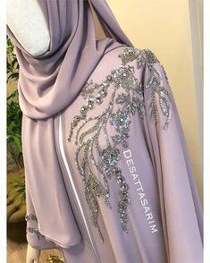 Yen'i elde işleme pelerin takım Bilgi ve sipariş için WhatsApp üzerinden ulaşabilirsiniz 05304122883 . #elbise #hijupstyle #fashionblogger #instafashion #istanbul #turkey #dress #abaya #abiye #nikahelbisesi #nişanelbisesi #abiye #tesettür #elbisemodelleri #ozeldikim #kisiyeozeldikim #kisiyeozel #desattasarim #soft #gri #islemeli #hautecouture #detay #kinaelbisesi #dugun #weedingdress #weeding #evlilik #abiye #eliesaab #gri #istanbul #ankara #bursa