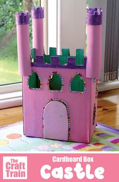 Cardboard castle craft for kids - make a princess castle for fairy-tale inspired imaginary lay. This is a fun and easy recycling craft for kids. Cardboard Crafts Kids, Recycled Crafts Kids, Recycled Art Projects, Easy Crafts For Kids, Craft Activities For Kids, Toddler Crafts, Art For Kids, Craft Projects, Craft Kids