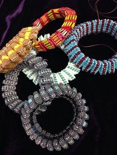 Beading Projects, Beading Tutorials, Beading Patterns, Seed Bead Bracelets, Seed Beads, Beaded Jewelry, Jewellery, Peyote Beading, Beaded Animals