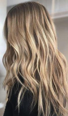 lovely blonde hair, wavy hair