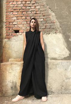 Plus Size Linen Jumpsuit Black Linen Jumpsuit Women Linen Black Jumpsuit Outfit, Summer Jumpsuit, Tienda Fashion, Minimal Dress, Indie Hipster, Cool Summer Outfits, Black Linen, Jumpsuits For Women, Plus Size Outfits