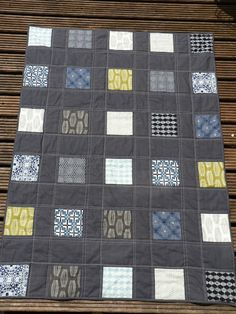 'Zakka Block Quilt' in 'Parson Gray' and textured cotton in charcoal and light blue thread  by Emily of #Strawberrypatch