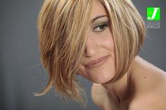 Degradé Joelle e Taglio Punte Aria: capelli che fanno la differenza! #cdj #degradejoelle #tagliopuntearia #shooting #dettaglidistile #welovecdj