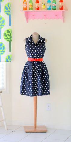 Hey, I found this really awesome Etsy listing at https://www.etsy.com/listing/211279420/1980s-navy-dots-dresssize-small