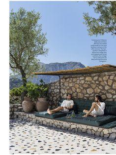 Small Patio Design, Fountain Design, Italian Villa, Outdoor Living, Outdoor Decor, Outdoor Spaces, Thing 1, Pool Designs, Elle Decor