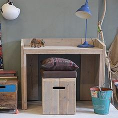 kinderbureaus: stoer steigerhouten kinderbureau Little Monkeys, Corner Desk, Kids, Bunnies, Furniture, Design, Home Decor, Corner Table, Young Children