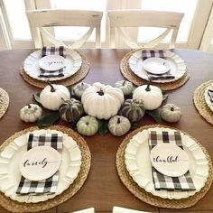 Welcome your friends and family to a Thanksgiving feast with beautiful table accents. These 14 ideas are simple Thanksgiving decorations …